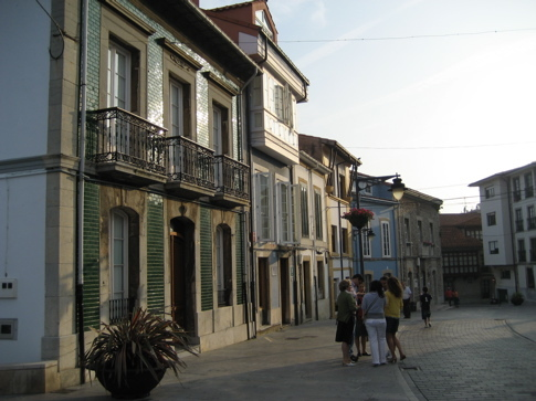 Luanco_street_2
